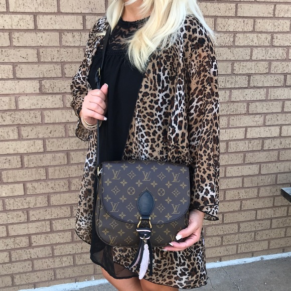 6c9bda62b19d Louis Vuitton Handbags - Louis Vuitton St Cloud GM Crossbody Purse bag